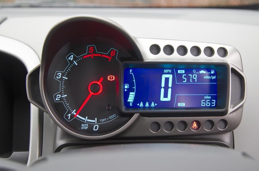 Chevrolet Aveo instrument cluster