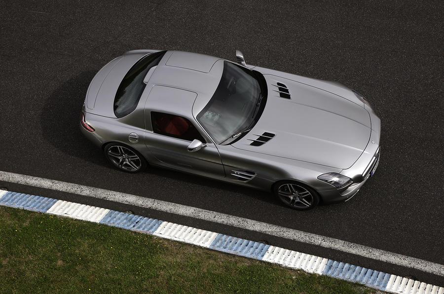 Mercedes-AMG SLS top profile