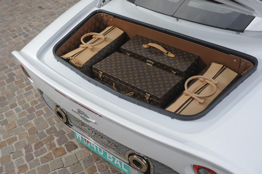 Spyker C8 Aileron boot space