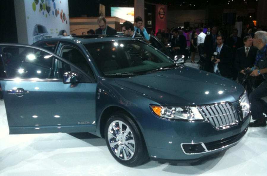New York show: Lincoln MKZ hybrid