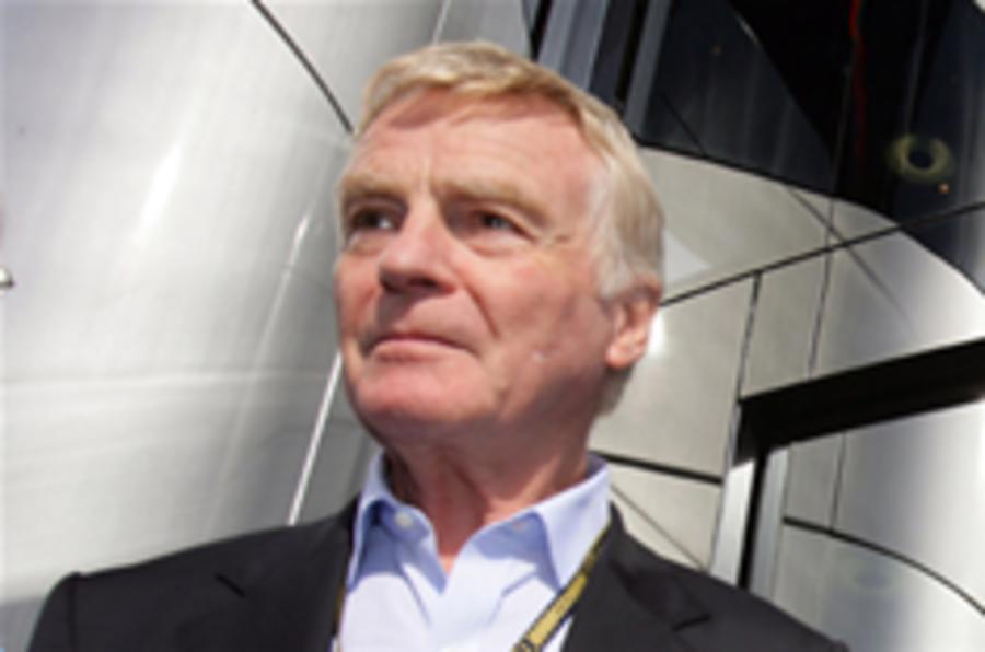 Mosley survives FIA vote