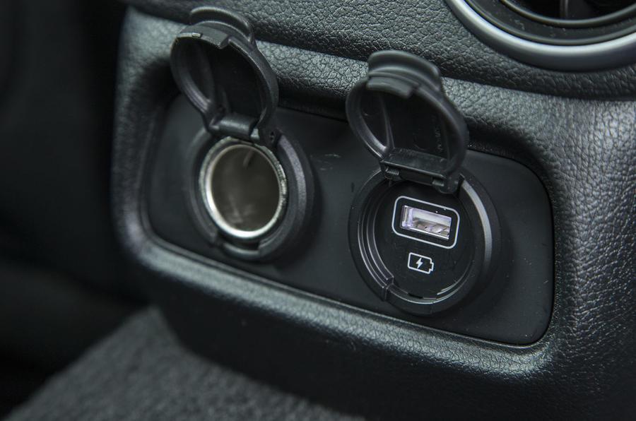 Kia Stinger GT line 2018 review rear USB ports