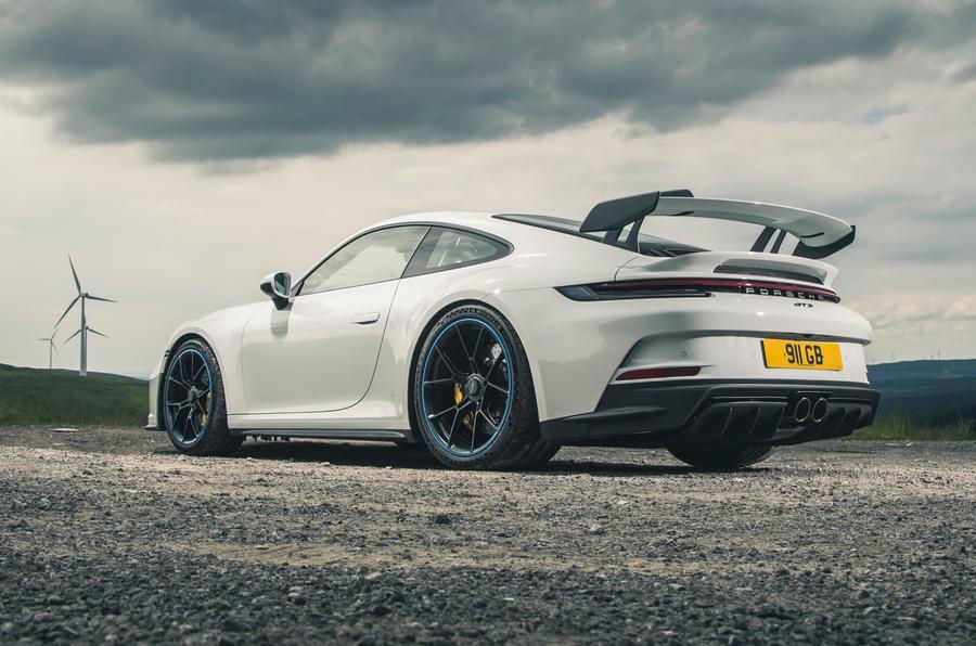 32 Porsche 911 GT3 2021 RT statique