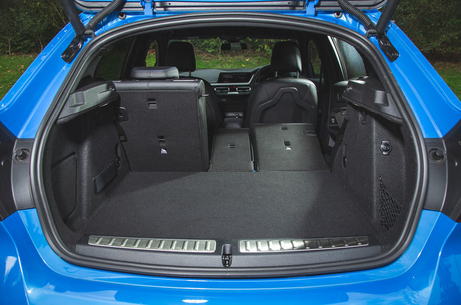 BMW 1 Series 118i 2019 road test review - boot