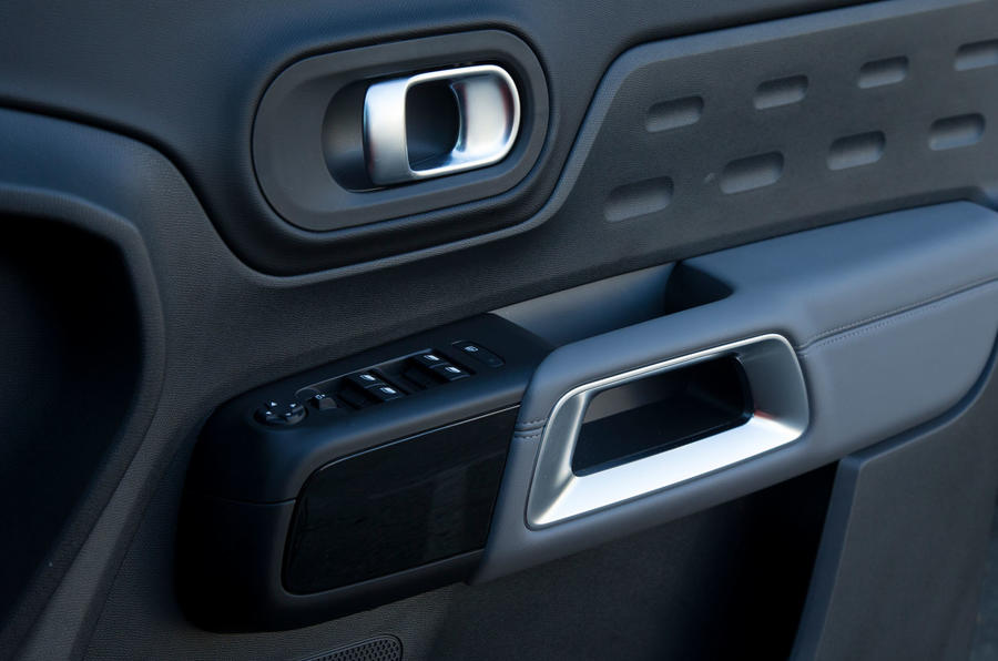 Citroen C5 Aircross 2019 road test review - interior trim