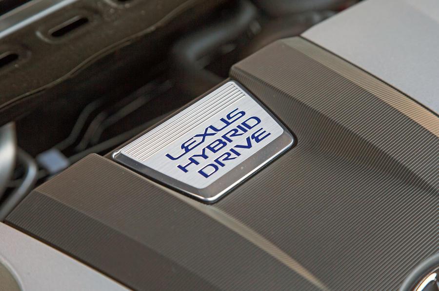 Lexus ES 2019 road test review - engine detail