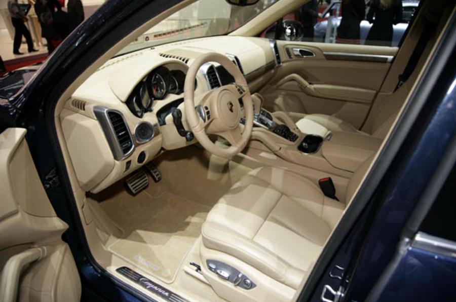 Porsche Cayenne - pics and video