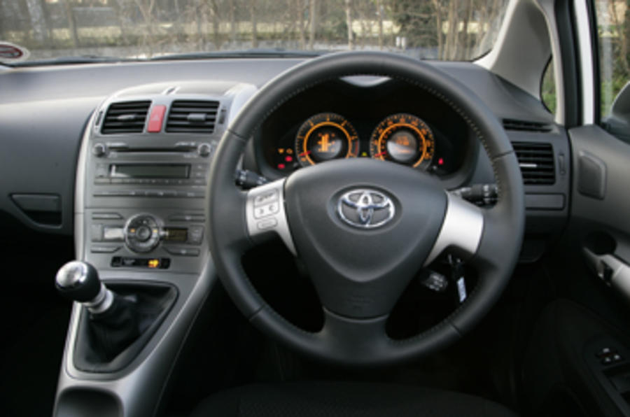 Toyota Auris SR180