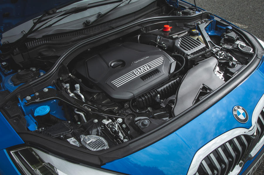 BMW 1 Series 118i 2019 road test review - engine