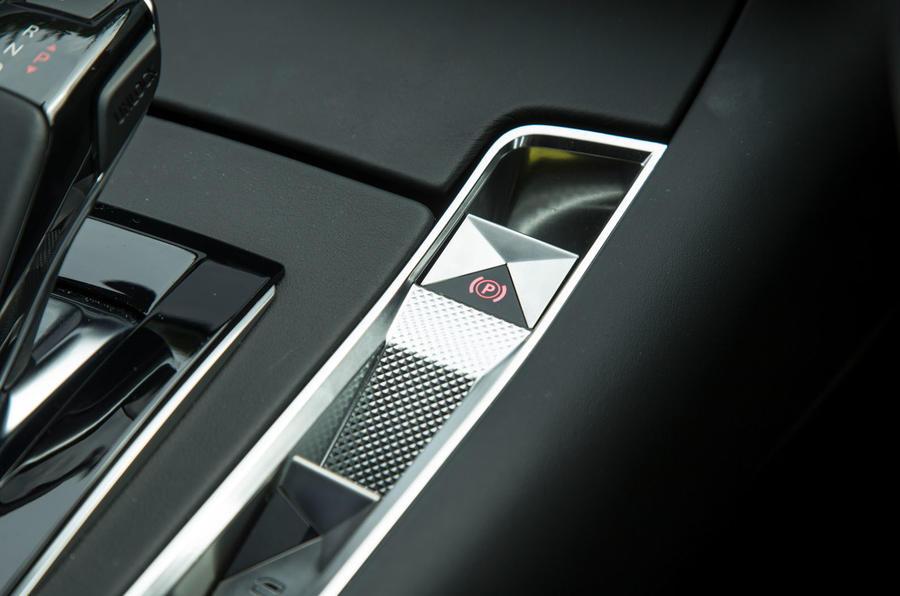 DS 7 Crossback 2018 road test review parking brake