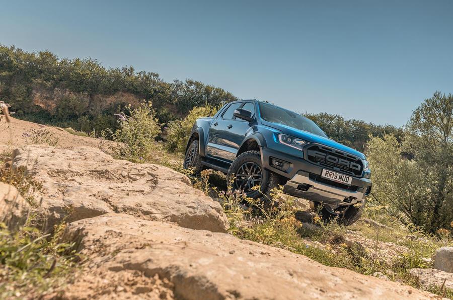 Ford Ranger Raptor 2019 road test review - static dust