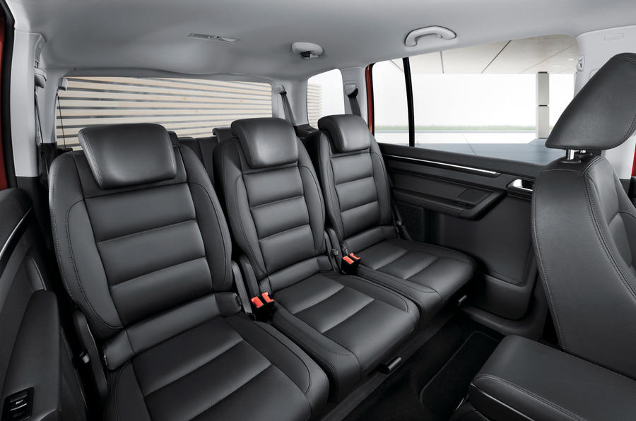 volkswagen touran 1 6 tdi review autocar. Black Bedroom Furniture Sets. Home Design Ideas
