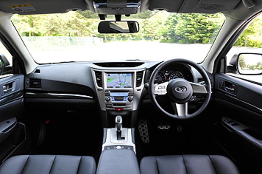 Subaru Legacy dashboard