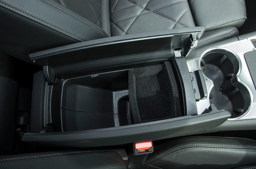 DS 7 Crossback 2018 road test review centre console storage