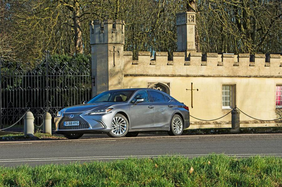 Lexus ES 2019 road test review - static