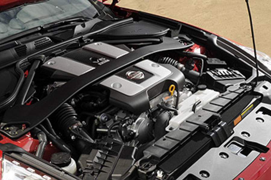 3.7-litre V6 Nissan 370Z Roadster engine