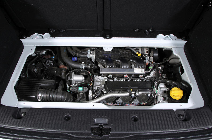 Comparison: three-cylinder engines on test