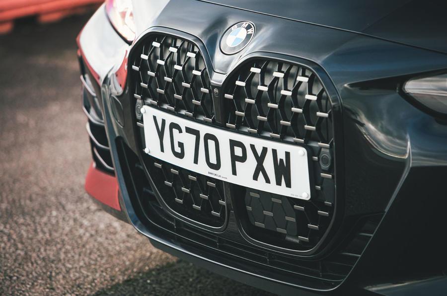 4 BMW Série 4 M440i examen de l'essai routier 2021 nez