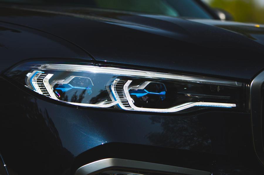 BMW X7 2020 : examen des essais routiers - phares