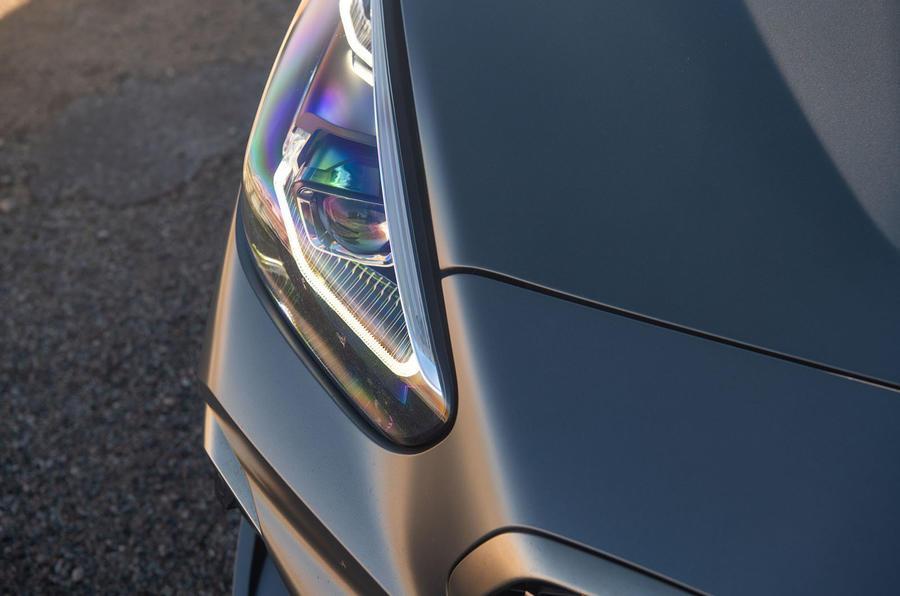 BMW Z4 2018 review - headlights