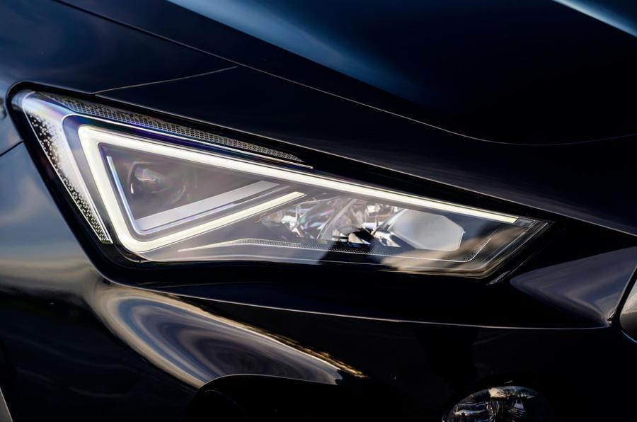4 phares Cupra Formentor 2021 pour l'examen de l'essai routier