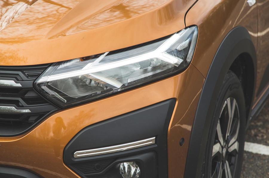 4 Phares de la Dacia Sandero Stepway 2021 RT