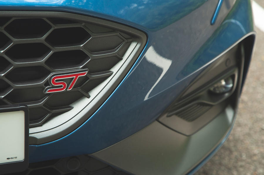 Ford Focus ST 2019 road test - badge