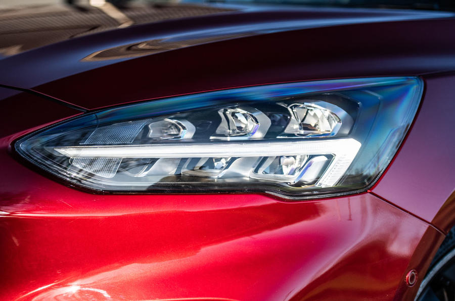 Ford Focus ST-line X 2019 road test review - headlights