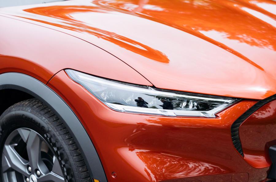 4 phares de la Ford Mustang Mach e 2021 RT