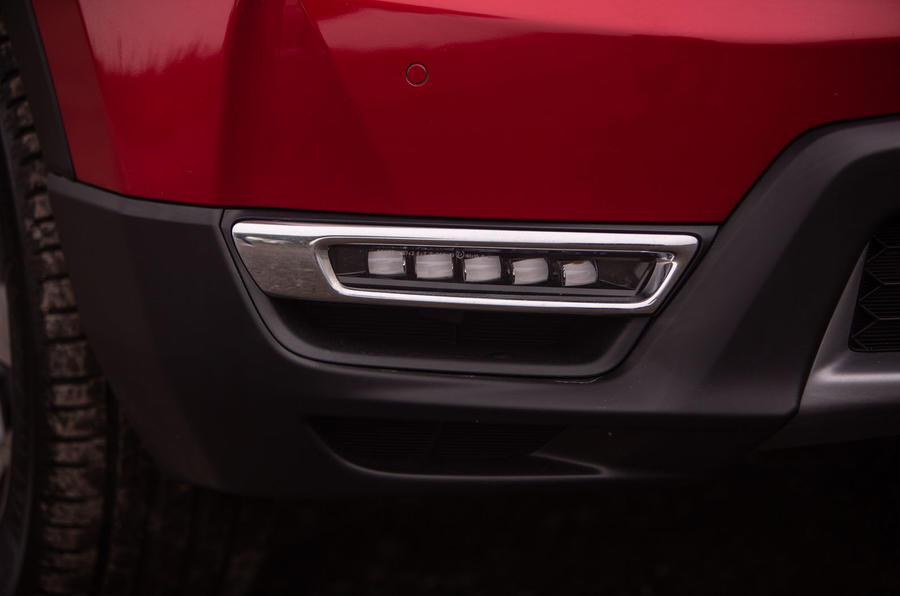 Honda CR-V 2018 road test review - daytime running lights