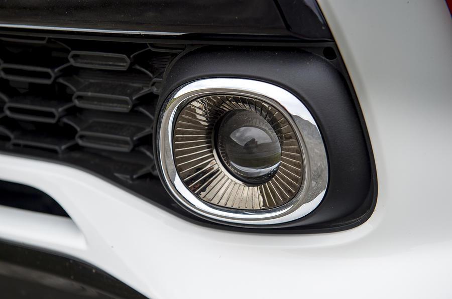 Kia Picanto review dlr lights