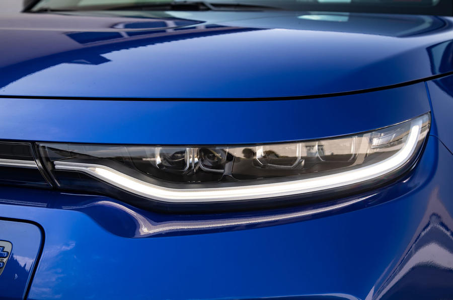 Kia Soul EV 2019 European first drive - headlights
