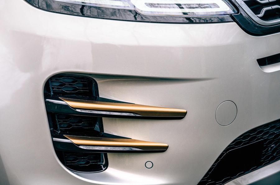 4 Land Rover Range Rover Evoque 2021 : essai routier - révision du pare-chocs avant