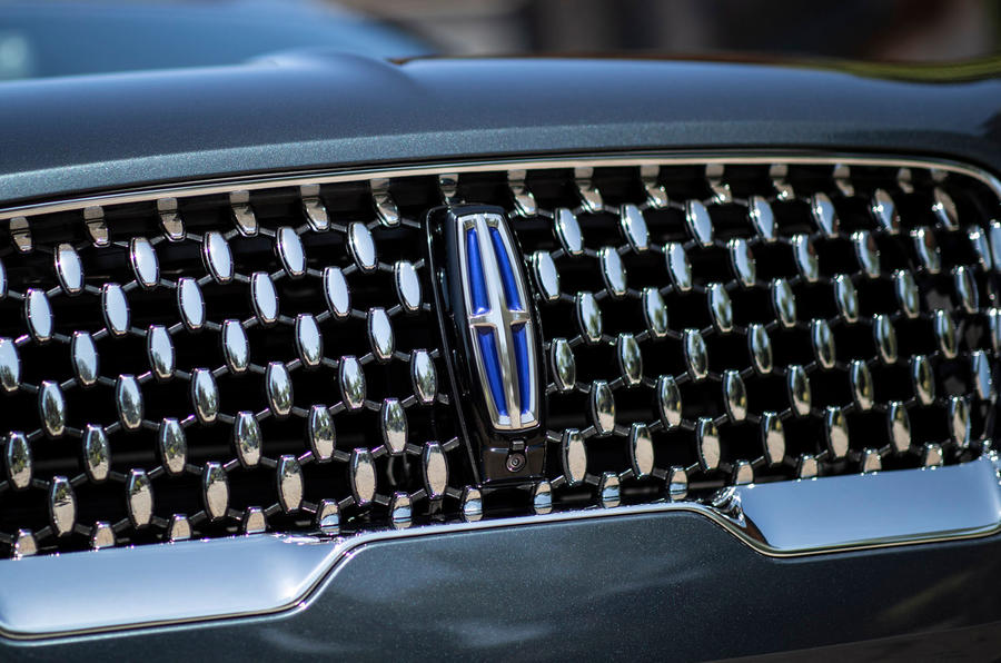Lincoln Aviator 2020 road test review - front grille