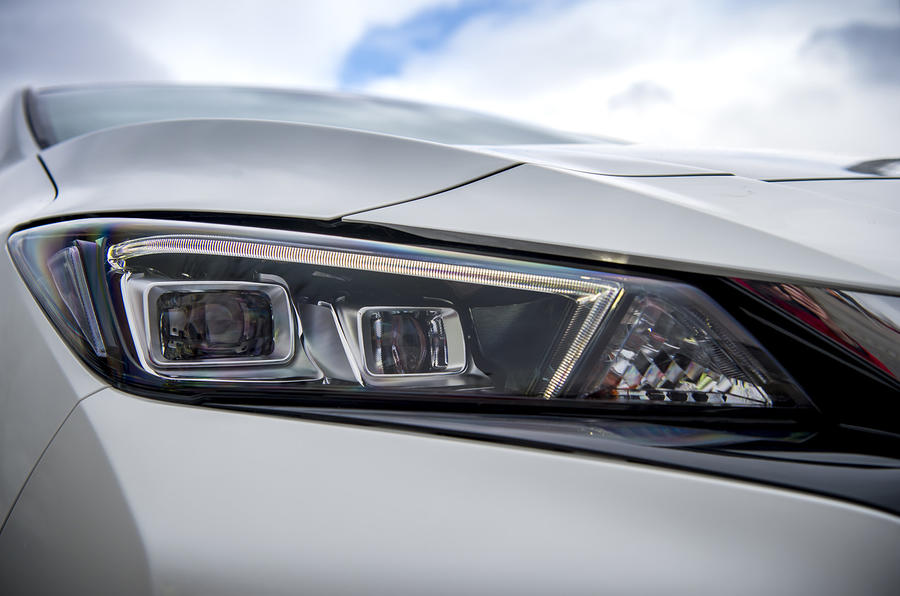 Nissan Leaf 2018 UK review headlights