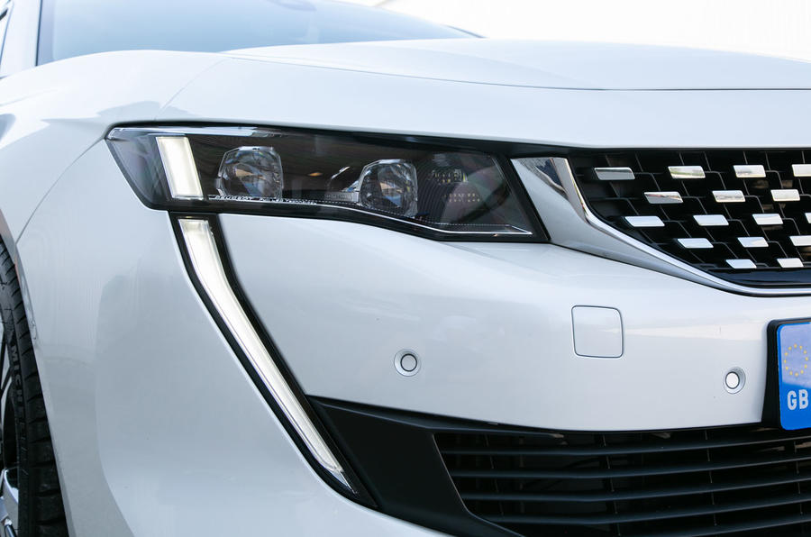 Peugeot 508 SW 2019 review - front lights