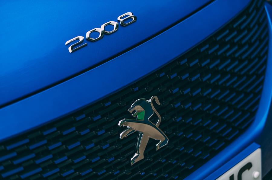 Peugeot e-2008 2020 road test review - nose