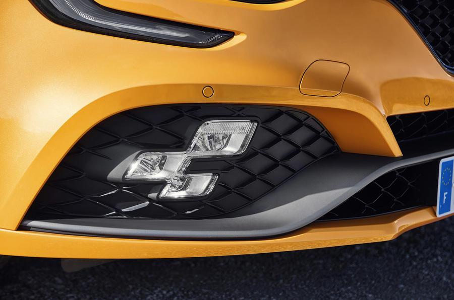 Renault Megane RS 280 2018 road test review foglights