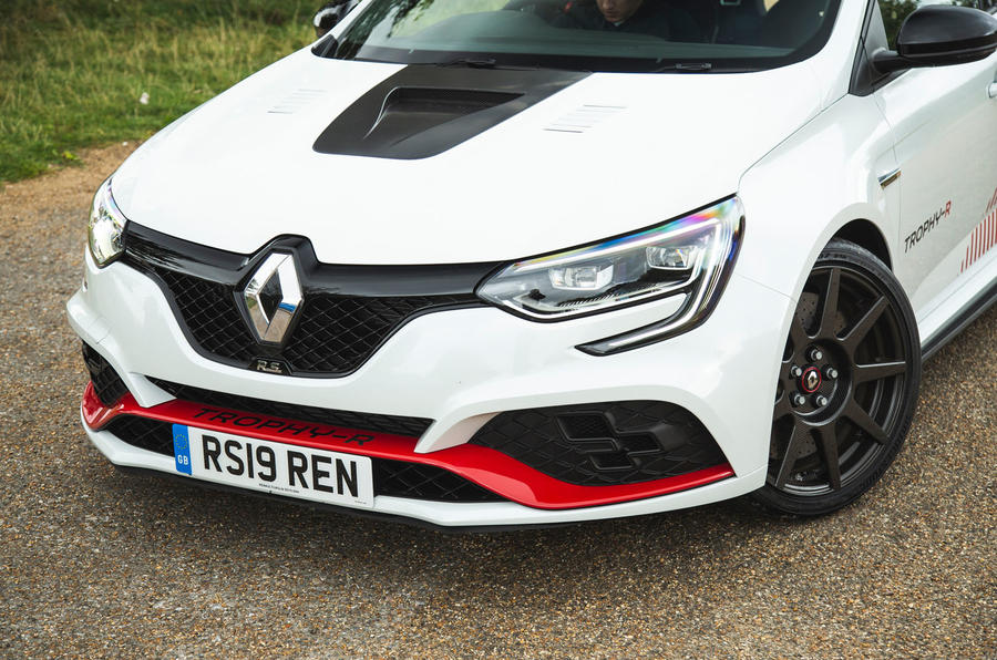 Renault Megane RS Trophy-R 2019 road test review - front end