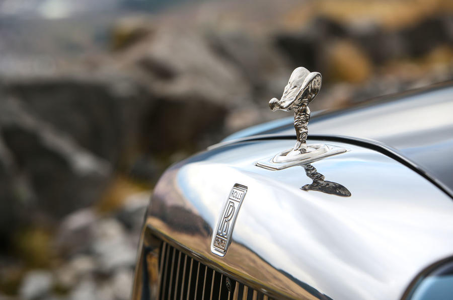 Rolls Royce Phantom 2018 review spirit of ecstasy