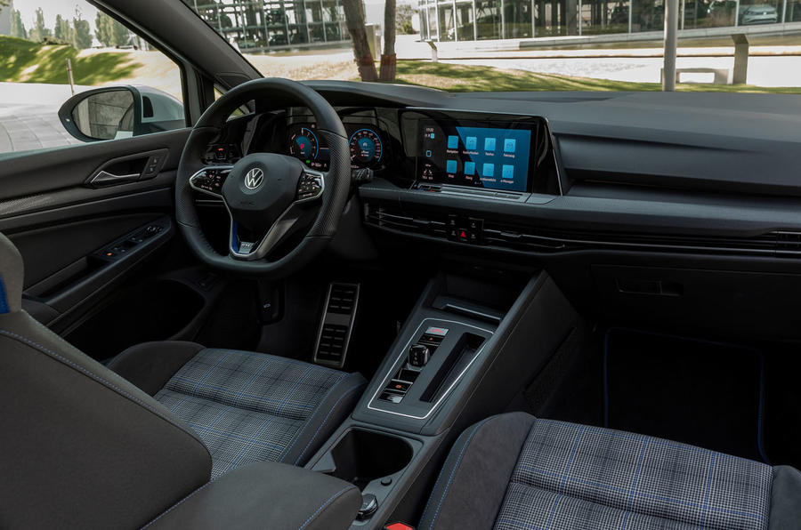 Volkswagen Golf GTE 2020 road test review - cabin