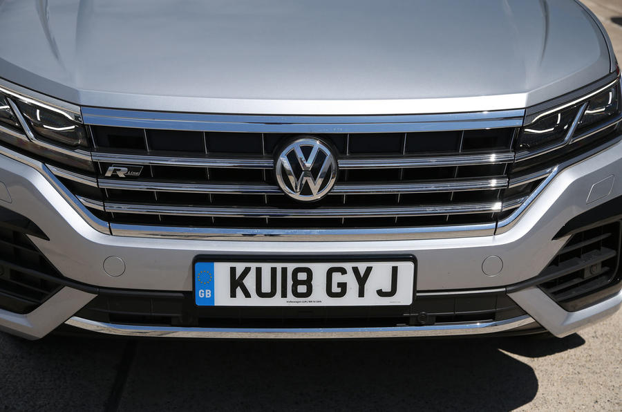 Volkswagen Touareg 2018 road test review front grille