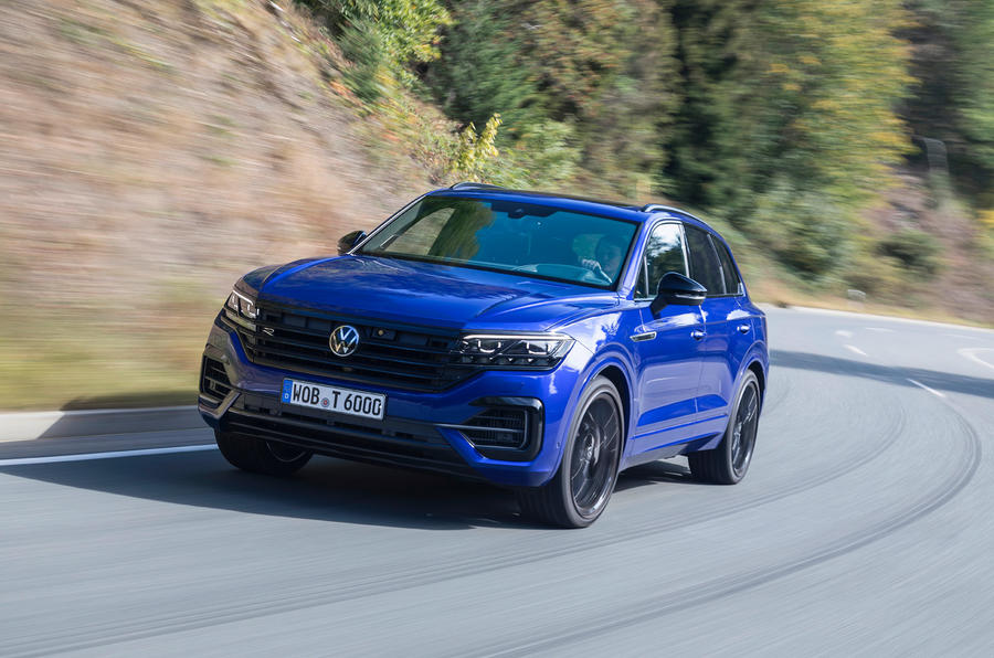 Volkswagen Touareg R road test review - cornering front