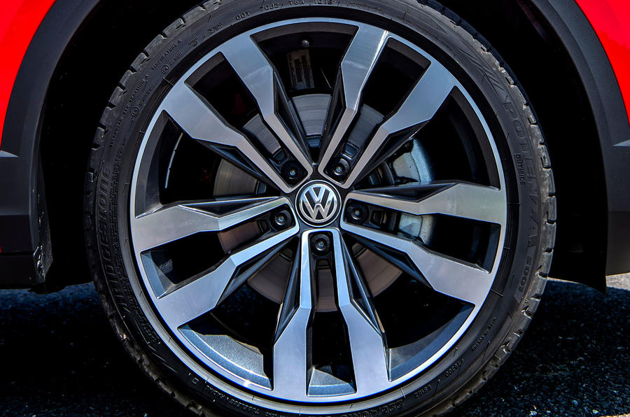 Volkswagen T-Roc 2019 road test review - alloy wheels