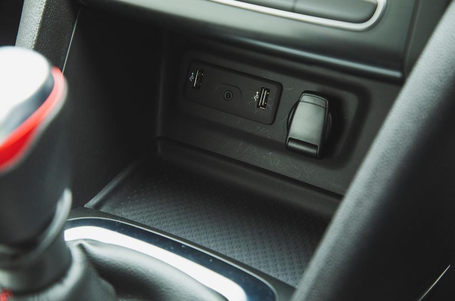 Renault Megane RS Trophy-R 2019 road test review - USB port