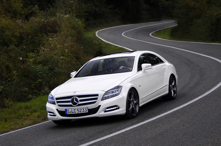 Mercedes-Benz CLS 500 cornering