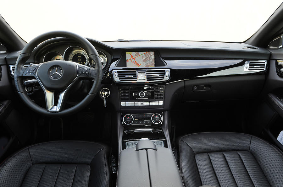 Mercedes CLS 350 CDI dashboard