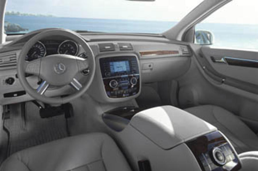 Mercedes benz r 320 cdi review autocar for Mercedes benz 320 cdi