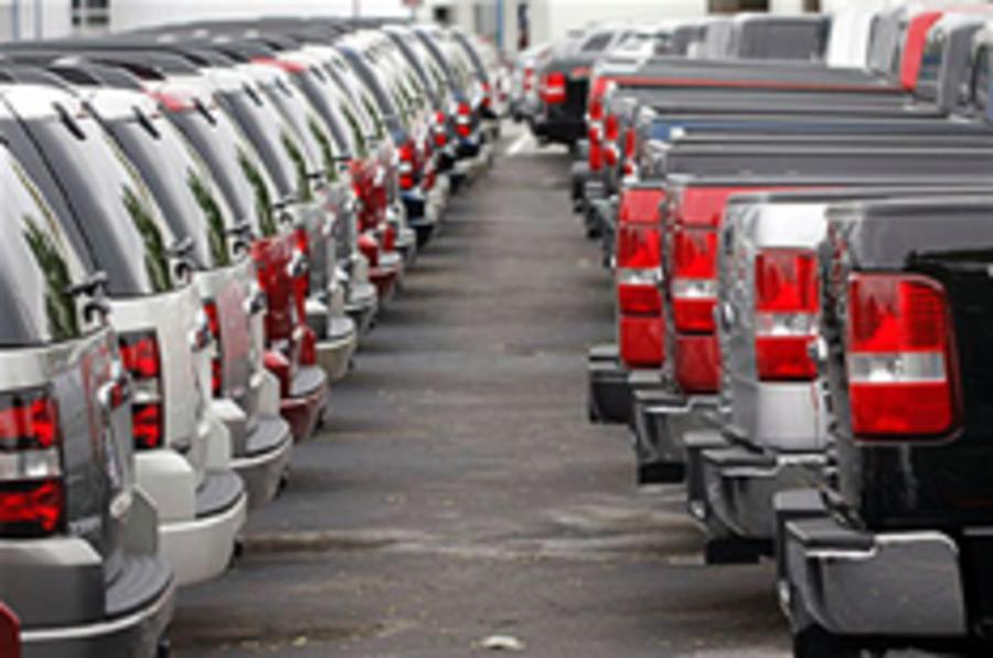 US sales hit 25-year low
