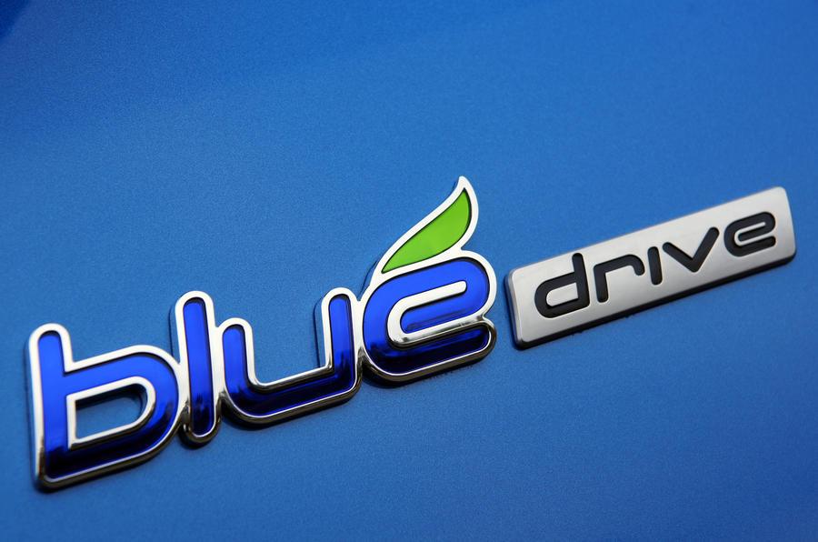 Hyundai i10 Blue badging